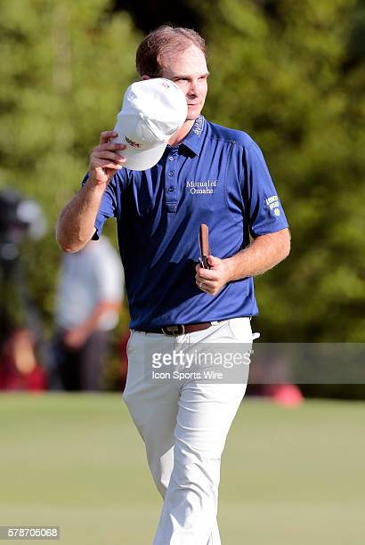 Kevin Streelman tips his hat to the crowd during the Final Round of the Deutsche Bank Championship at TPC Boston in Norton MA