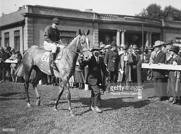 Racehorse 'Mumtaz Mahal' at Doncaster races with George Hulme up.