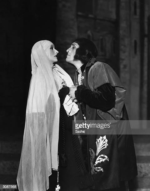 Madge Compton as Lady Anne Neville and Balliol Holloway as Richard III