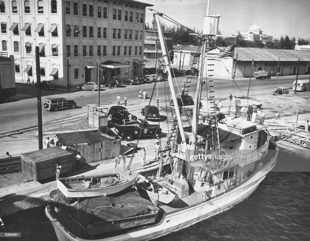 Fishing Boat : News Photo