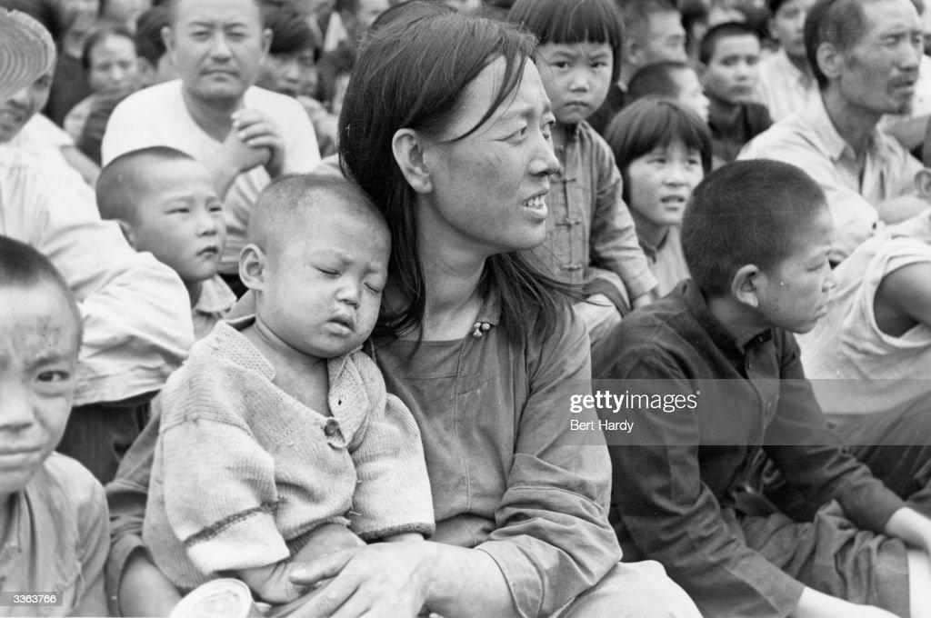 Korean Refugees : News Photo