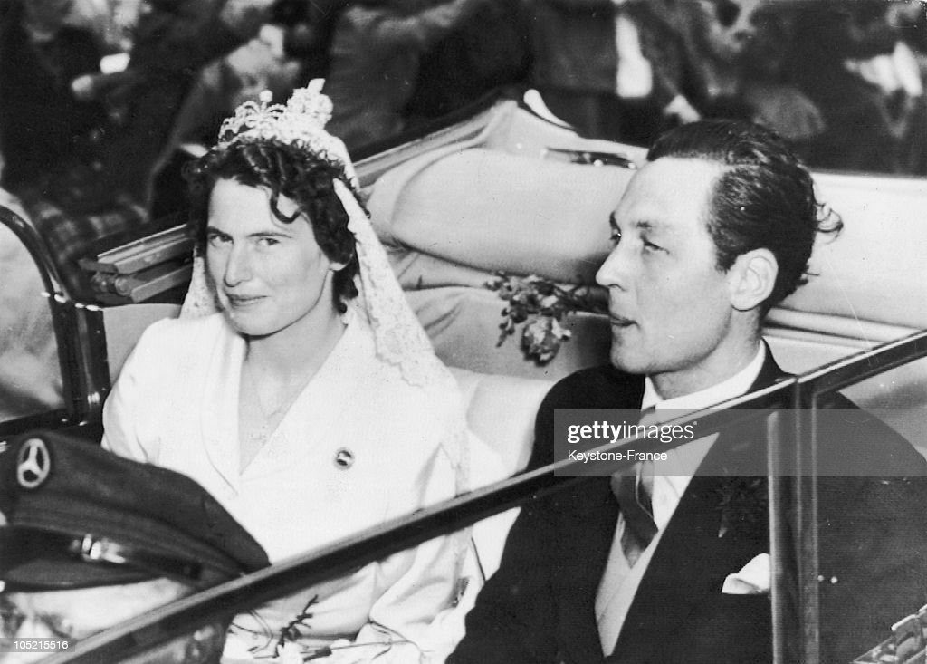September 1951. Hanover. Wedding Of Prince Ernst August Of Hanover With Princess Ortrud Of Gluecksburg : News Photo