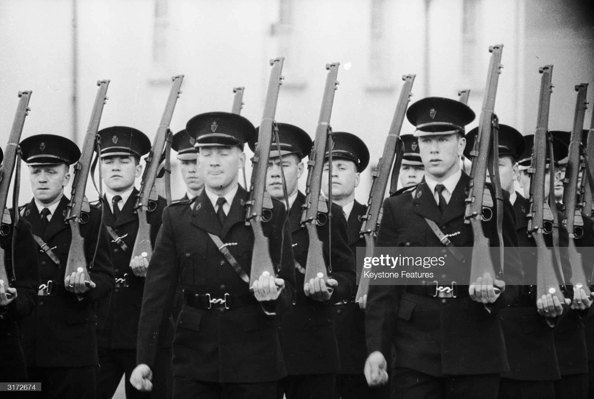 september-1961-members-of-the-royal-ulster-constabulary-on-rifle-in-picture-id3172674
