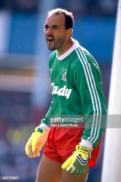 10 September 1988 Football League Division One Aston Villa v Liverpool Liverpool goalkeeper Bruce Grobbelaar shouts