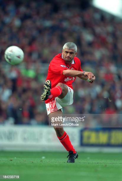 21 September 1996 English Football Premier League Middlesbrough v Arsenal Fabrizio Ravanelli of Middlesbrough takes a free kick
