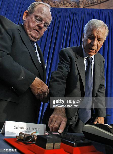September 2007 CREDIT Bill O'Leary / TWP WASHINGTON DC Jerry Merryman coinventor of the hand held calculator with his prototype at the Smithsonian...