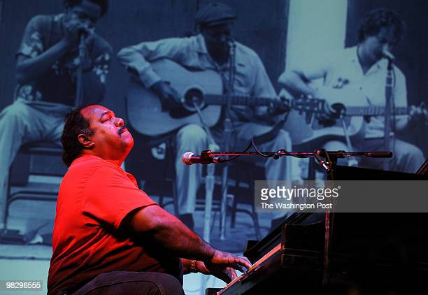September 2009 CREDIT Katherine Frey / TWP LOCATION Largo MD SUMMARY BLUEBIRD BLUES FESTIVAL 17th annual at Prince George's Community College CAPTION...