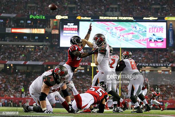 Tampa Bay Buccaneers quarterback Josh McCown is pressured by Atlanta Falcons cornerback Robert McClain in first half action of the Tampa Bay...