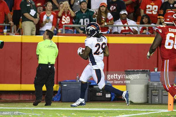 Denver Broncos cornerback Bradley Roby scores the winning touchdown off a fumble during the game between the Denver Broncos and Kansas City Chiefs at...