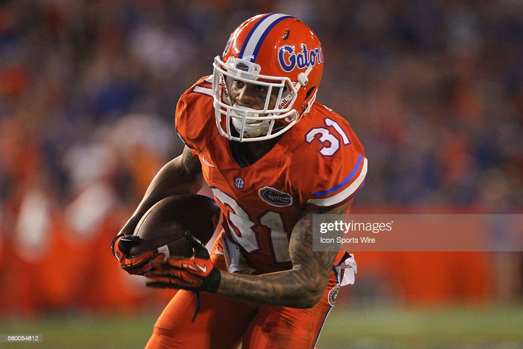 NCAA FOOTBALL: SEP 12 East Carolina at Florida : News Photo