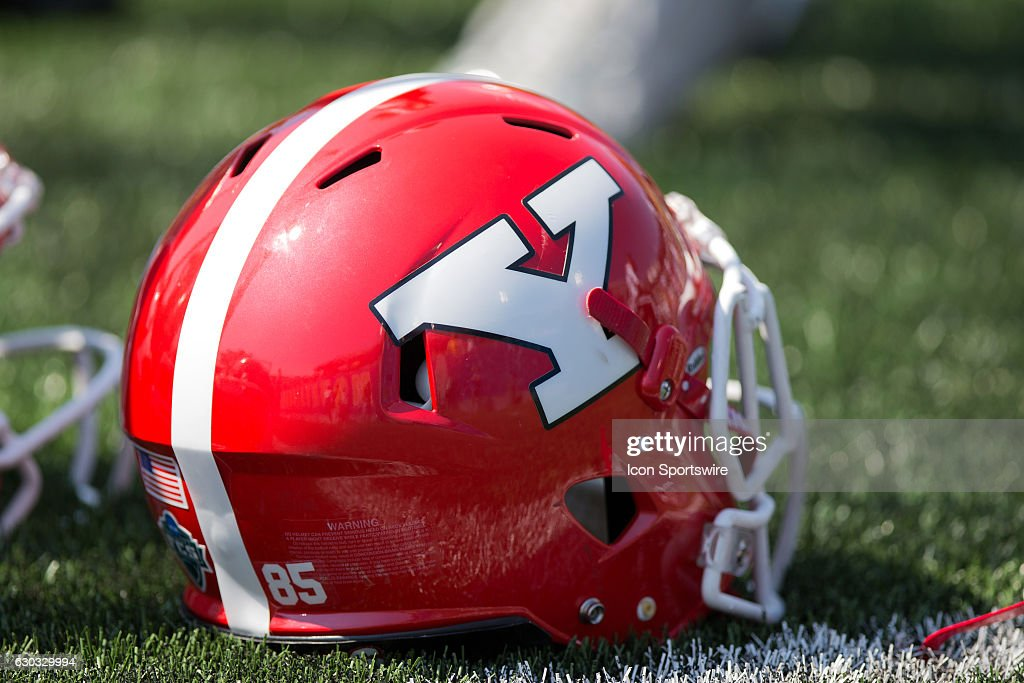 NCAA FOOTBALL: SEP 10 Youngstown State at West Virginia : News Photo