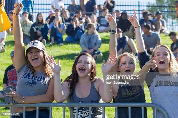 september-2016-akron-zips-fans-during-th