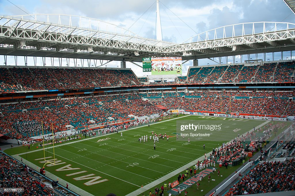 NCAA FOOTBALL: SEP 10 FAU at Miami : News Photo