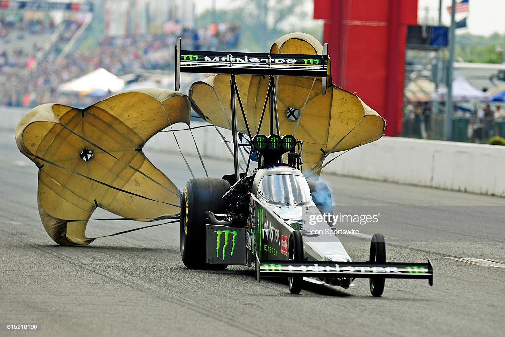 AUTO: SEP 25 NHRA - AAA Insurance Midwest Nationals : News Photo