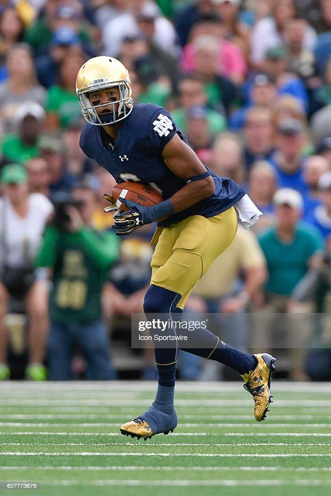 NCAA FOOTBALL: SEP 10 Nevada at Notre Dame : News Photo