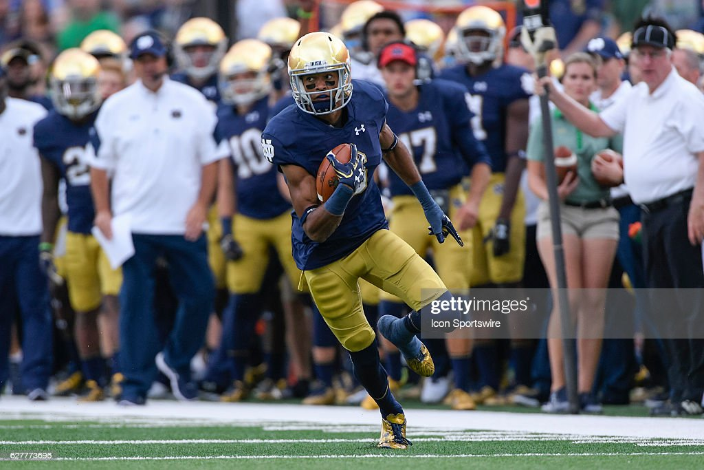 NCAA FOOTBALL: SEP 10 Nevada at Notre Dame : News Photo