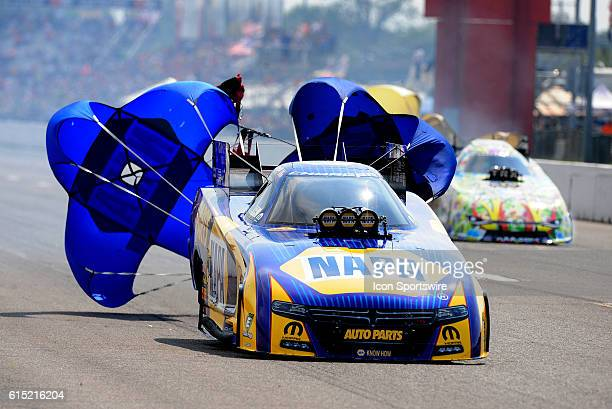 25 September 2016   Ron Capps Don Schumacher Racing Dodge Charger NHRA Funny Car during elimination rounds for the NHRA AAA Midwest Nationals at...