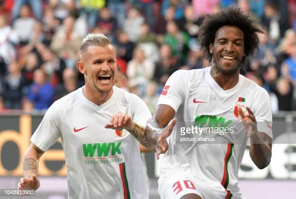 September 2018, Bavaria, Augsburg: Soccer: Bundesliga, FC Augsburg - SC Freiburg, 6th matchday in the WWK-ArenaK-Arena. Augsburg's Jonathan Schmid...