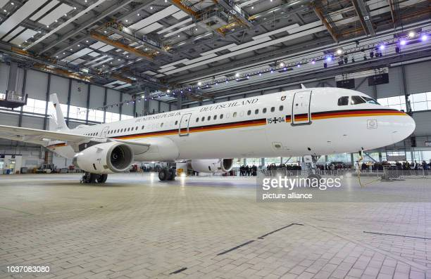 The Airbus A321 with the military registration number '1504' is located in a hangar of Lufthansa Technik The occasion was the handover of an Airbus...