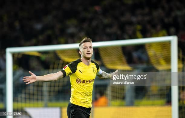 26 September 2018 North RhineWestphalia Dortmund Soccer Bundesliga Borussia Dortmund 1st FC Nürnberg 5th matchday in Signal Iduna Park Dortmund's...