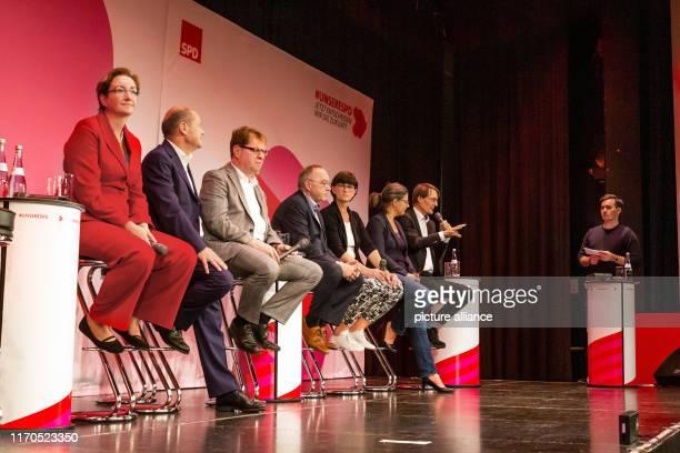 September 2019, Baden-Wuerttemberg, Ettlingen: The candidates for party chair Klara Geywitz , Olaf Scholz, Ralf Stegner, Norbert Walter-Borjans,...