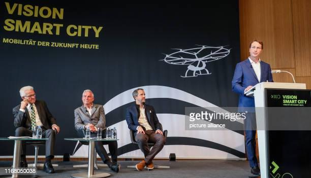"""September 2019, Baden-Wuerttemberg, Stuttgart: Under the motto """"Urban Mobility"""", Winfried Kretschmann , Prime Minister of Baden-Württemberg, Thomas..."""
