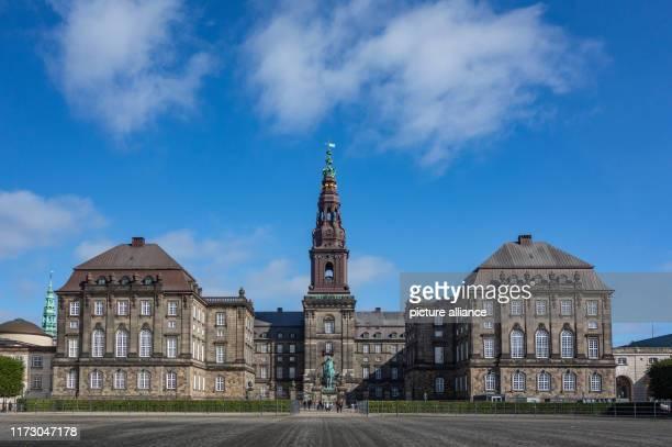 September 2019, Denmark, Kopenhagen: Christiansborg Castle in the Danish capital. Photo: Patrick Pleul/dpa-Zentralbild/ZB