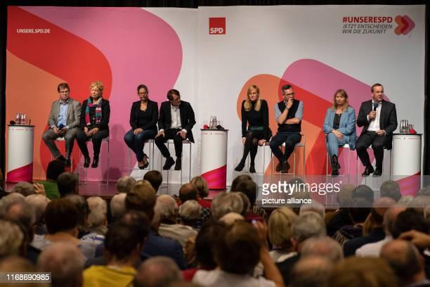 September 2019, Hessen, Baunatal: The candidates for the chairmanship of the SPD, Ralf Stegner , Gesine Schwan, Nina Scheer, Karl Lauterbach,...