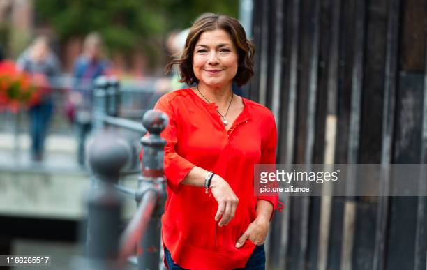 06 September 2019 Lower Saxony Lüneburg Claudia Schmutzler actress is on the edge of shooting for the ARD telenovela Rote Rosen At the moment the...