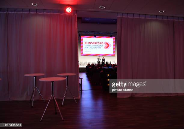 September 2019, Thuringia, Erfurt: Karl Lauterbach and Nina Scheer, candidate duo for SPD party chairmanship, introduce themselves to the Thuringian...