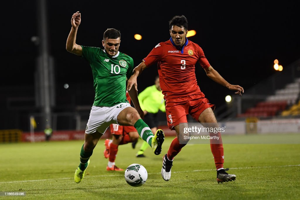 Republic of Ireland v Armenia - UEFA European U21 Championship Qualifier Group 1 : Fotografía de noticias