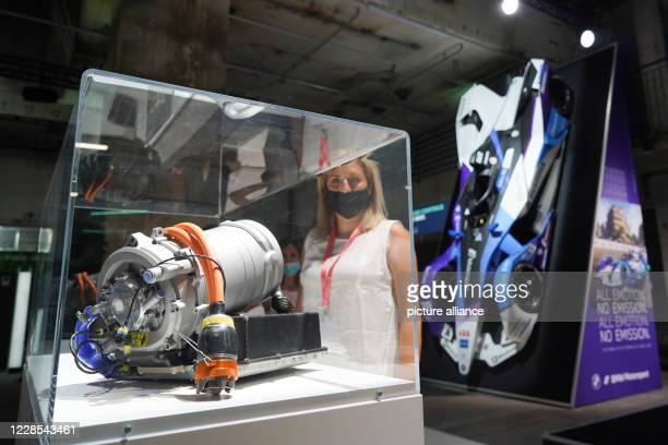 September 2020, Berlin: An electric motor for a racing car can be seen at the Greentech Festival at the BMW stand. The festival about innovative,...