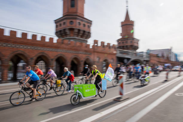 DEU: First Nationwide Family Bicycle Demonstration