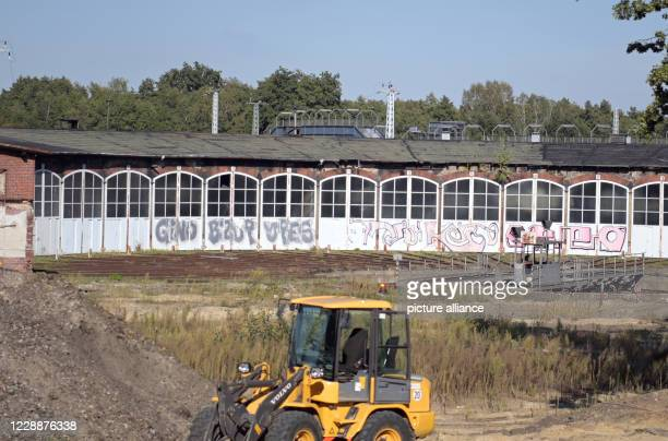 September 2020, Brandenburg, Wustermark/Ot Elstal: The construction site of the future Bahn Technologie Campus Havelland Gmbh on the site of the...
