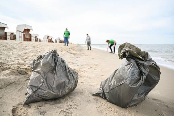 DEU: International Coastal Cleaning Day