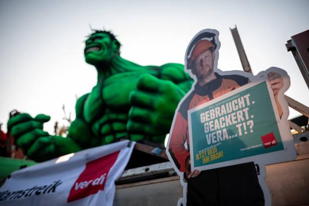 DEU: Warning Strikes In The Public Sector