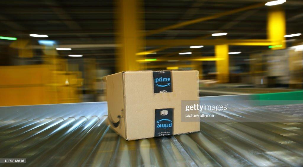 Osterweddingen - Amazon Logistics Center : News Photo