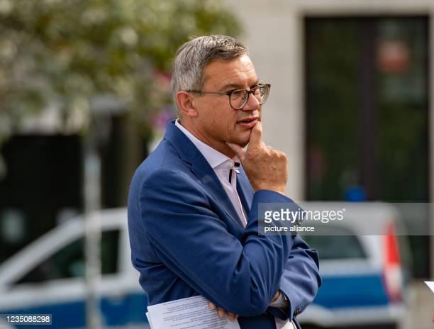September 2021, Berlin: The spokesman for German Railways , Achim-Strauß, is waiting for journalists. At Deutsche Bahn, further strikes are not...