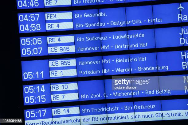 September 2021, Berlin: View at Berlin Central Station on the display board with the departure times of the trains. Since 2 o'clock, the nationwide...