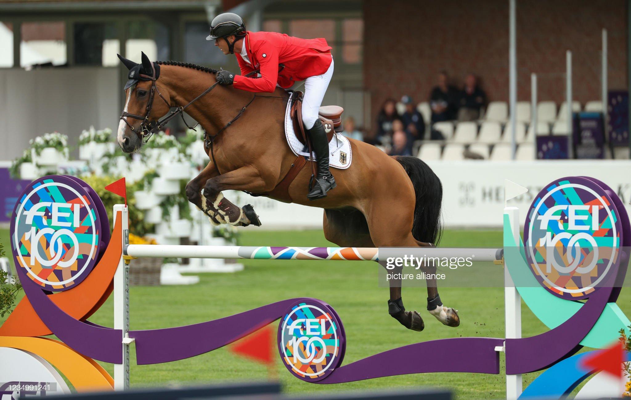 Show Jumping - European Championship : Fotografía de noticias