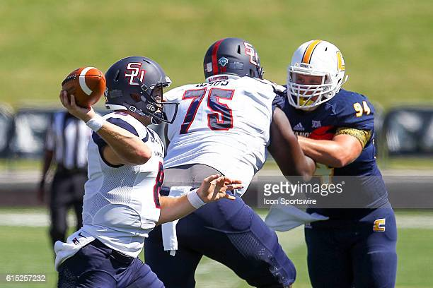 Samford Bulldogs quarterback Devlin Hodges in action during the game between Samford and UT Chattanooga Chattanooga defeats Samford 41 21 at Finley...