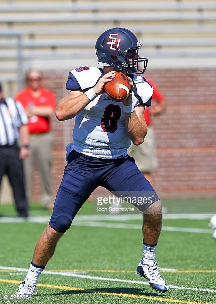 Samford Bulldogs quarterback Devlin Hodges looks to pass the ball during the game between Samford and UT Chattanooga Chattanooga defeats Samford 41...