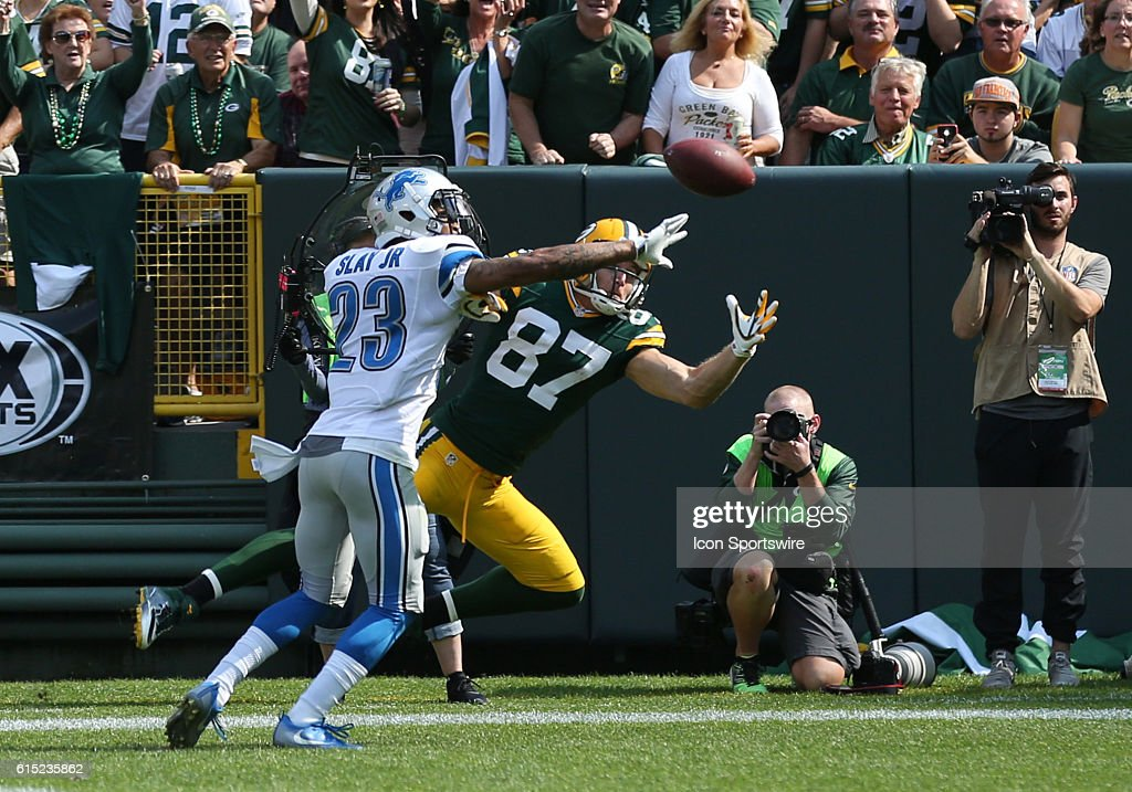 NFL: SEP 25 Lions at Packers : News Photo