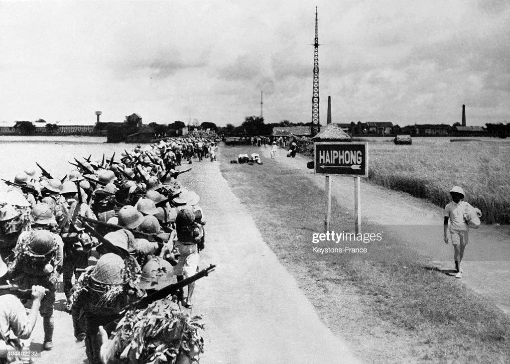Japanese Invading Indochina, 1940 : News Photo
