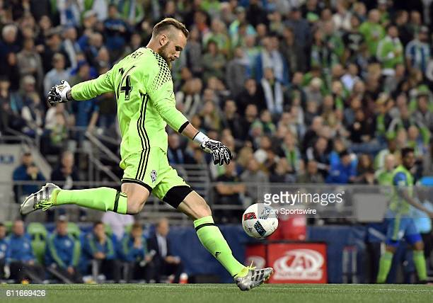 Seattle Sounders FC goalkeeper Stefan Frei on the goal kick during a MLS match between the Seattle Sounders FC and Chicago Fire on Xbox Pitch at...