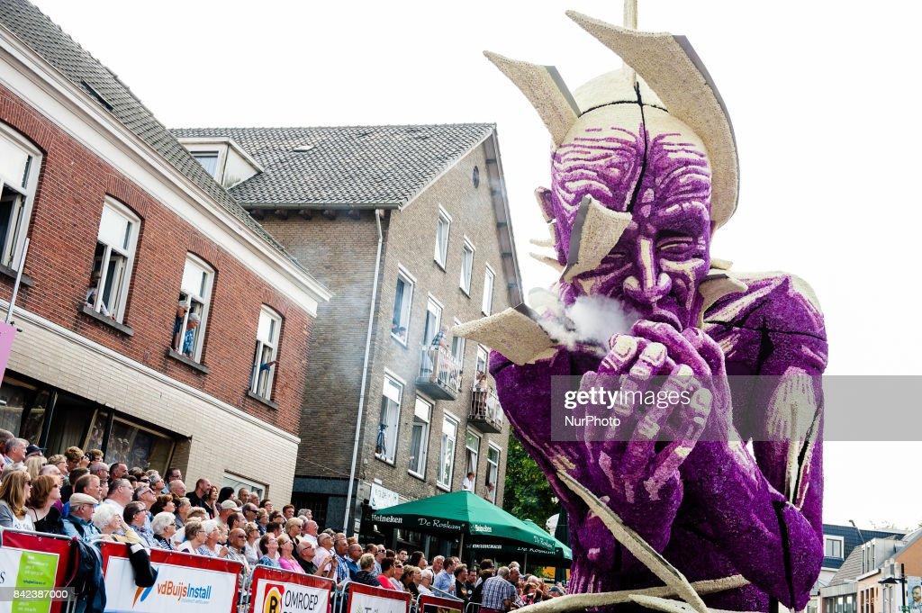 Corso Flower parade in Zundert 2017 : Fotografía de noticias