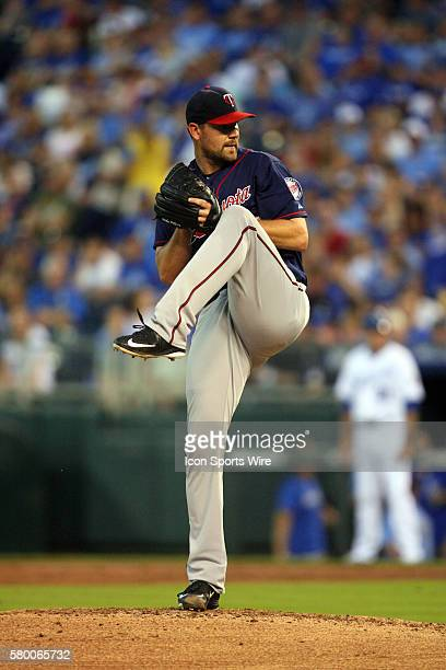 Minnesota Twins pitcher Mike Pelfrey [6139] pitches early in a game against the Kansas City Royals at Kauffman Stadium in Kansas City MO