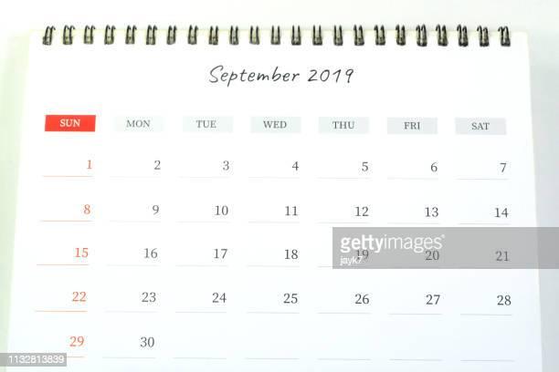 september month calendar - september stockfoto's en -beelden
