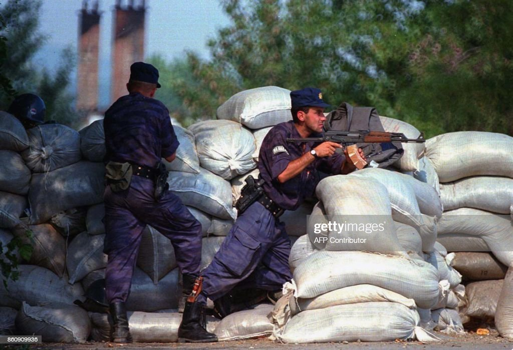 KOSOVO-SERBIAN POLICE : News Photo