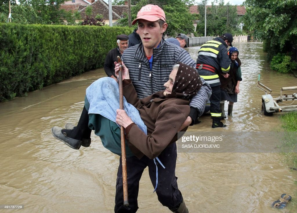 SERBIA-BOSNIA-WEATHER-FLOOD : News Photo